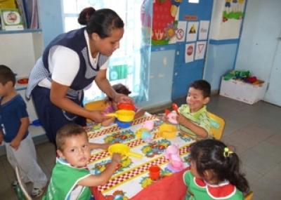 Ni os y ni as de arica participan del programa vacaciones for Actividades para jardin maternal